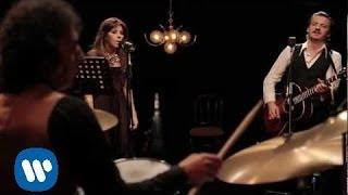 Coque Malla - Una moneda (con Jeanette) view on youtube.com tube online.
