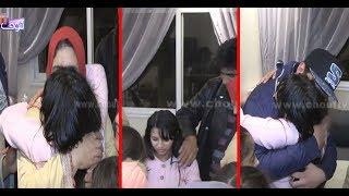 بالفيديو: عناق ممزوج بالدموع و الفرح لحظة استقبال الفتاة وصال المختطفة بقلب منزلها |