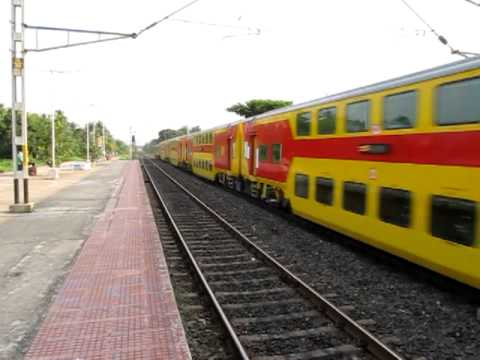 Double Decker Express (Howrah-Dhanbad) with HWH WAP-7