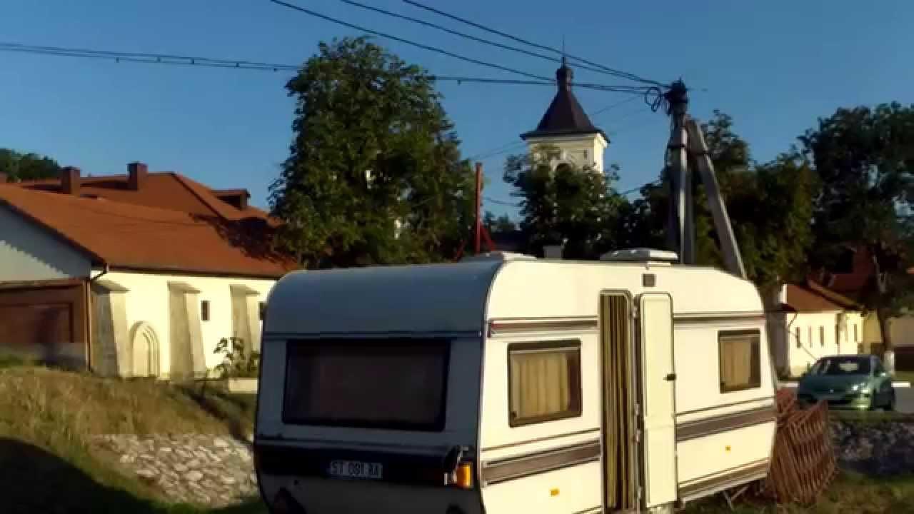 Copiii vin la caruselul de lîngă mănăstire ;-)