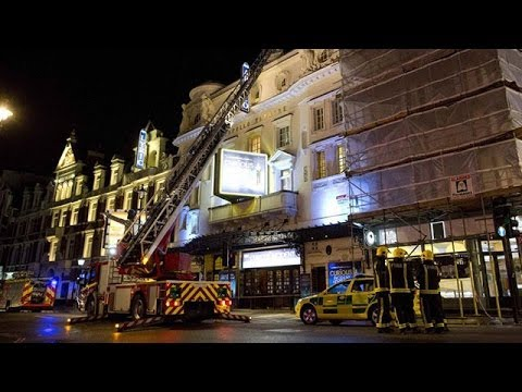"Apollo theatre collapse: 'one of the actors said ""watch out""'"