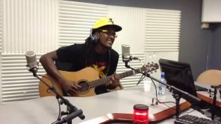 E.sy Kennenga - Ou Ka Ba Mwen Love (Live at Martinique 1ère)