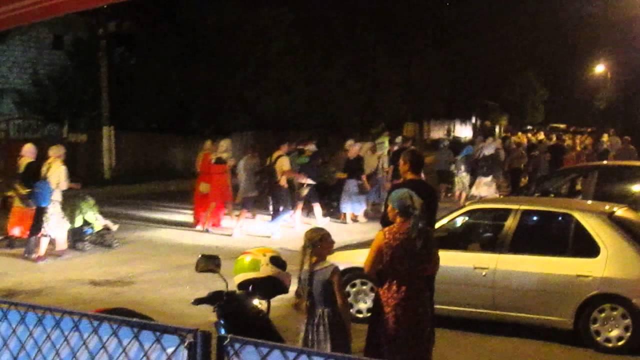 Alai religios zgomotos filmat de la o terasă