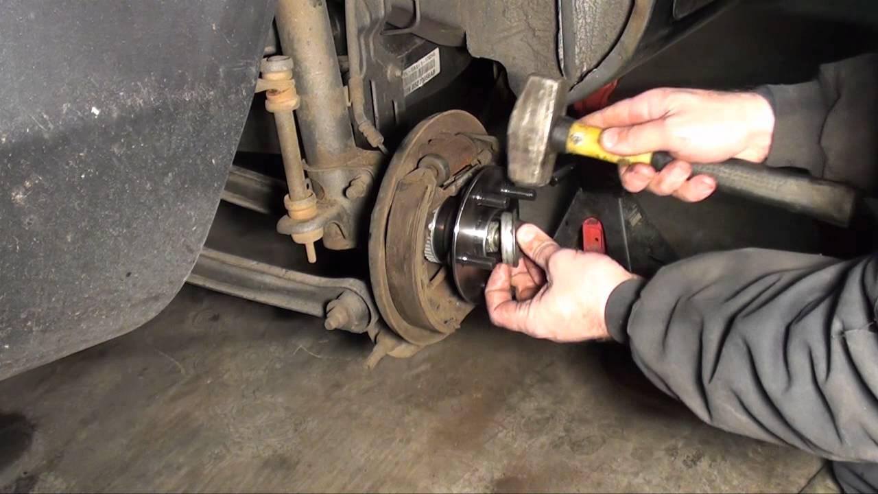 Wheel Bearing Rear Hub Assembly 2000 To 2005 Neon Youtube