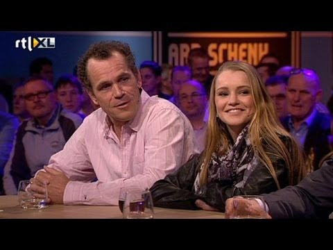 'NekNomination is belachelijk' - RTL LATE NIGHT