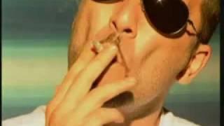 Valantis - Ti allo theleis pio poly (Official Video Clip)