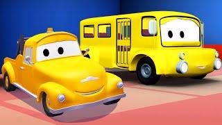 Odtahový vůz Tom a školní autobus