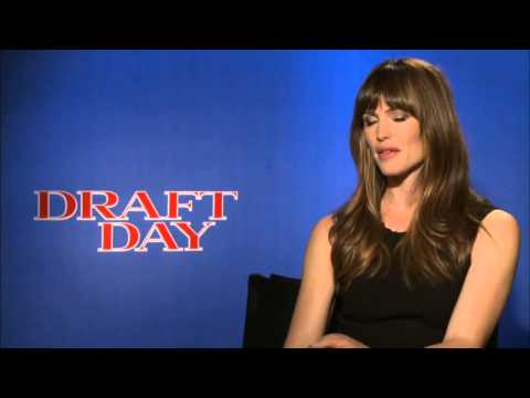 ▶ Draft Day  Jennifer Garner Official Movie Interview