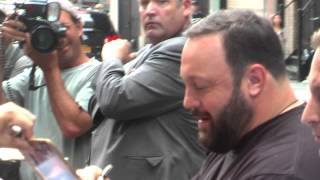 Kevin James meets the Fans