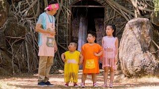 """Hoài Linh trở thành bảo mẫu bất đắc dĩ của bộ ba nhóc tì """"kinh điển""""(tin tuc sao viet)"""