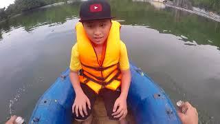 Đại Nghĩa Đi Chơi Chèo Thuyền Đạp Vịt Trên Hồ - Outdoor Playground For Kids MN Toys