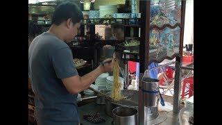 Quán mì kéo sợi hơn 70 năm tuổi ở Sài Gòn - Khám phá vùng quê