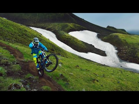 Freeride MTB Into the Dirt of Iceland
