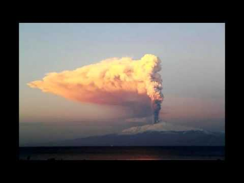 Mount Etna volcano - Muncibeddu - Sicily (Sicilia) - eruption Jan 5, 2012