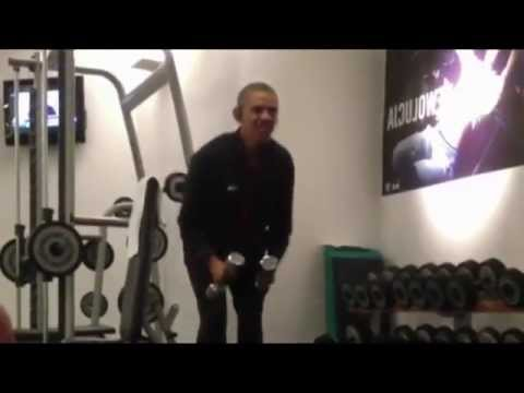 Famous in 12: Obama Workout with Audio