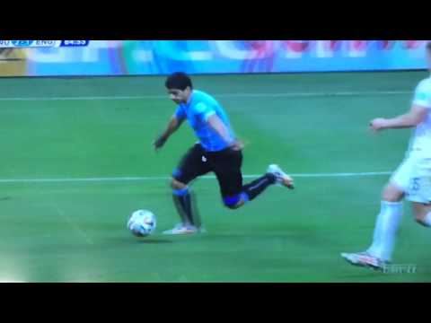 Luis Suarez game winning goal vs England