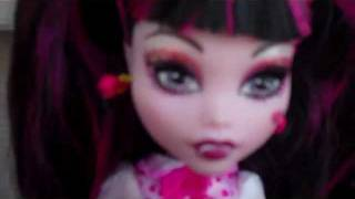 A Short Monster High Doll Movie 17 (Spectra In Wonder Land