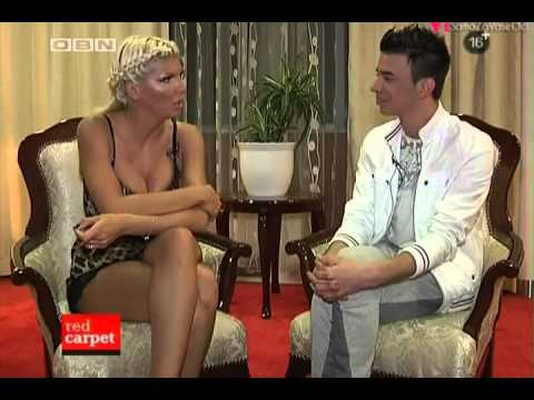 JELENA KARLEUSA // RED CARPET / 26.10.12