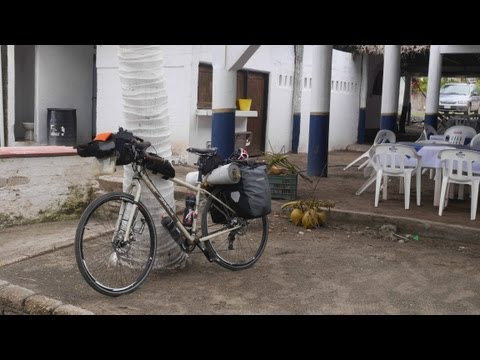 Sergio borroni e una Salsa Fargo . Dall' Arizona al Guatemala in bici. . Foto  e film lumix gh3 Video