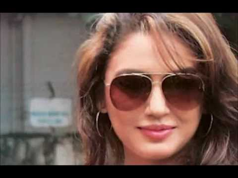 Huma Qureshi Sexy & Hot!