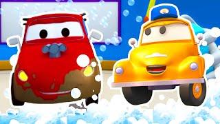Jerry El Auto de Carreras - El lavado de Autos de Tom La Grúa 🛀 Dibujos animados para niñas y niños