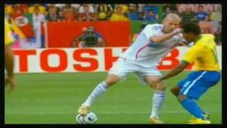 伝説のサッカー選手、ジネディーヌ・ジダンの気持ち悪いボールタッチ