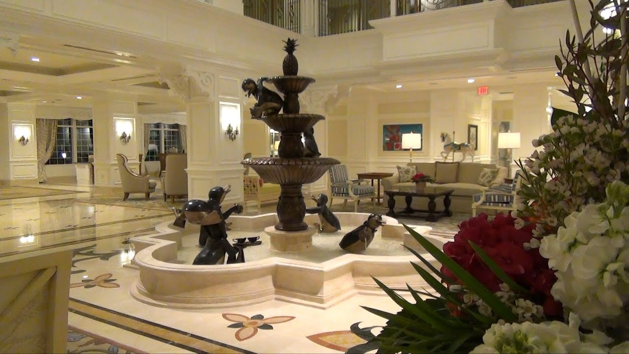 The Villas At Disney 39 S Grand Floridian Resort And Spa Nighttime Lobby