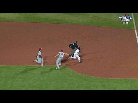 Ellsbury eludes rundown, slides in safely