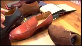 Combinar zapatos y pantalones.