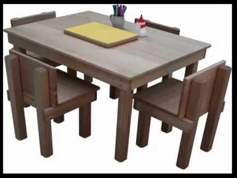 على الطاولة الهندسة المعمارية في المدارس
