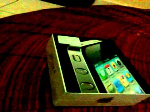 iPhone4 di telanjangi (bongkar bungkus) untuk pertama kalinya