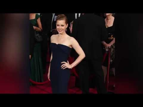 Actress Amy Adams Gives Up 1st Class Seat for Soldier