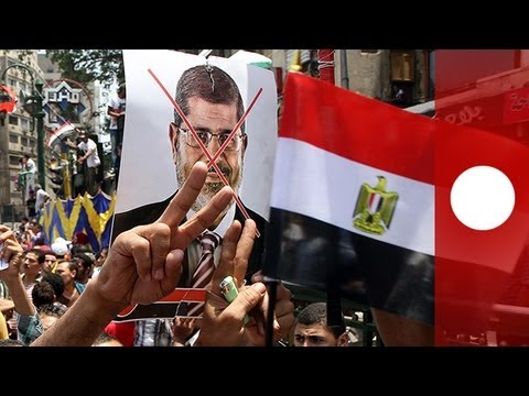 Egyptian army gives government 48 hours to answer protesters' demands