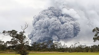 Hawaii on red alert as Kilauea volcano eruption plumes of ash grounds planes