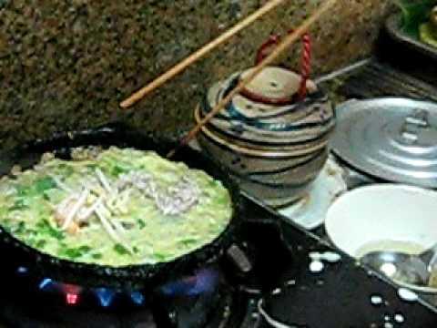banh xeo miền Trung Quảng Ngãi -rice cakes siêu ngon Vietnam by Thiên Sanh