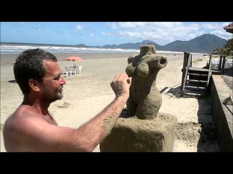 Luiz Bom Escultor de Areia em Peruibe( Morpheu Lyma Mochileiro da Web )