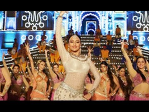 FIRST LOOK: Sonakshi Sinha as Dancing Radha in 'Tevar' song | Hindi Cinema Latest News | Arjun
