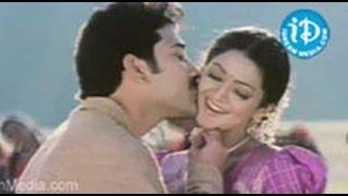 Sankranthi Movie Songs - Aade Pade Song - Venkatesh - Arti Agarwal - Sneha - Srikanth view on youtube.com tube online.