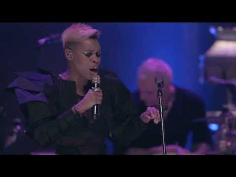 Secretly (live acoustic in London) - Skunk Anansie