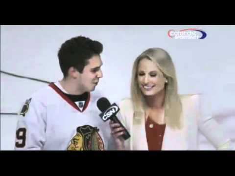 Reporter's Awkward Moment With Fan tells Sarah Kustok that he loves her on TV Speechless