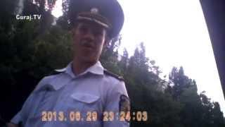Polițistul primește mită de două ori și n-are niciun stres