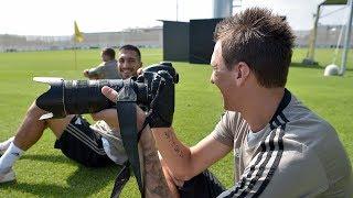 Emre Can e Mandzukic s'improvvisano fotografi | #SettimanaSocial Juventus 21/08/2018