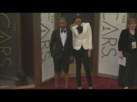 Pharrell Williams wears shorts to the Oscars: Happy singer hits the red carper in shorts