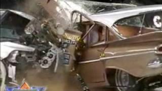 Hao123-Head-On Crash Test: 1959 Chevrolet Bel Air vs 2009 Chevy Malibu