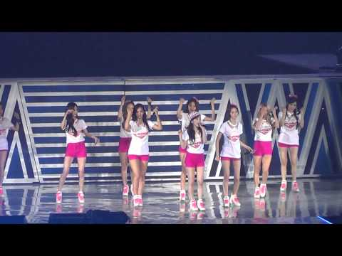 2013 Girls' Generation Girls & Peace in Jakarta - Into The New World