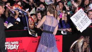 [Jennifer Lawrence is So Nice!  Signs Autographs for Every Fa...] Video