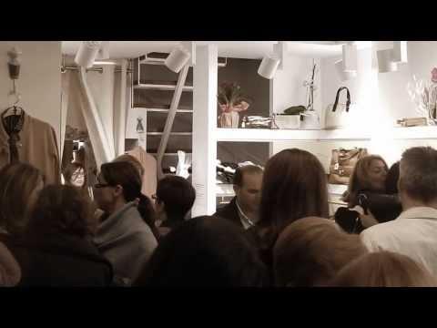 Yours: Ένα πρωτοπόρο κατάστημα ρούχων στη Γλυφάδα! - Εγκαίνια