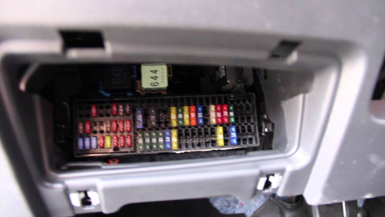 2010 jetta fuse box diagram volkswagen    jetta    2012    fuse       box    location youtube  volkswagen    jetta    2012    fuse       box    location youtube