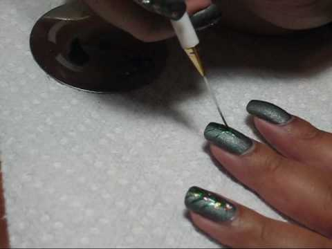Christmas Tree Nail Art Tutorial - YouTube, See more pics on my blog: http://mysimplelittlepleasures.blogspot.com/2009/12/notd-christmas-trees-tutorial.html Base color: OPI Suzi Skis in the Pyrenees Su...