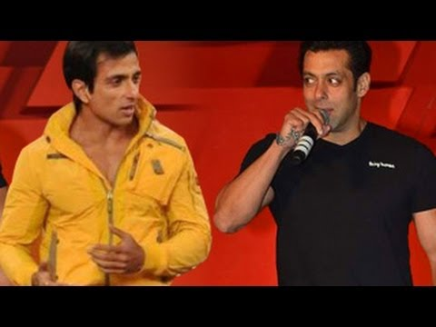 Salman Khan MOCKS Sonu Sood in PUBLIC !